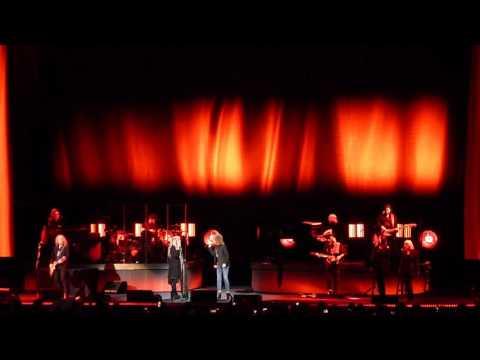 Stevie Nicks (w/Chrissie Hynde & Waddy Wachtel) - Stop Draggin' My Heart Around (Live) - 12/13/16