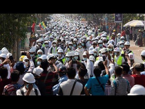 ميانمار.. إحياء ذكرى المتظاهرين الذين قتلوا في تظاهرات ماندالاي  - 13:00-2021 / 3 / 7