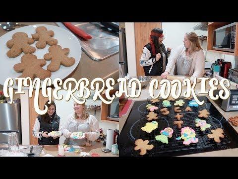 Baking & Decorating Gingerbread Cookies || Vlogmas Day 17 - 2017