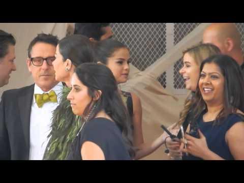 Taylor Swift, Selena Gomez & Hailee Steinfield hangs out at Met Gala 2016