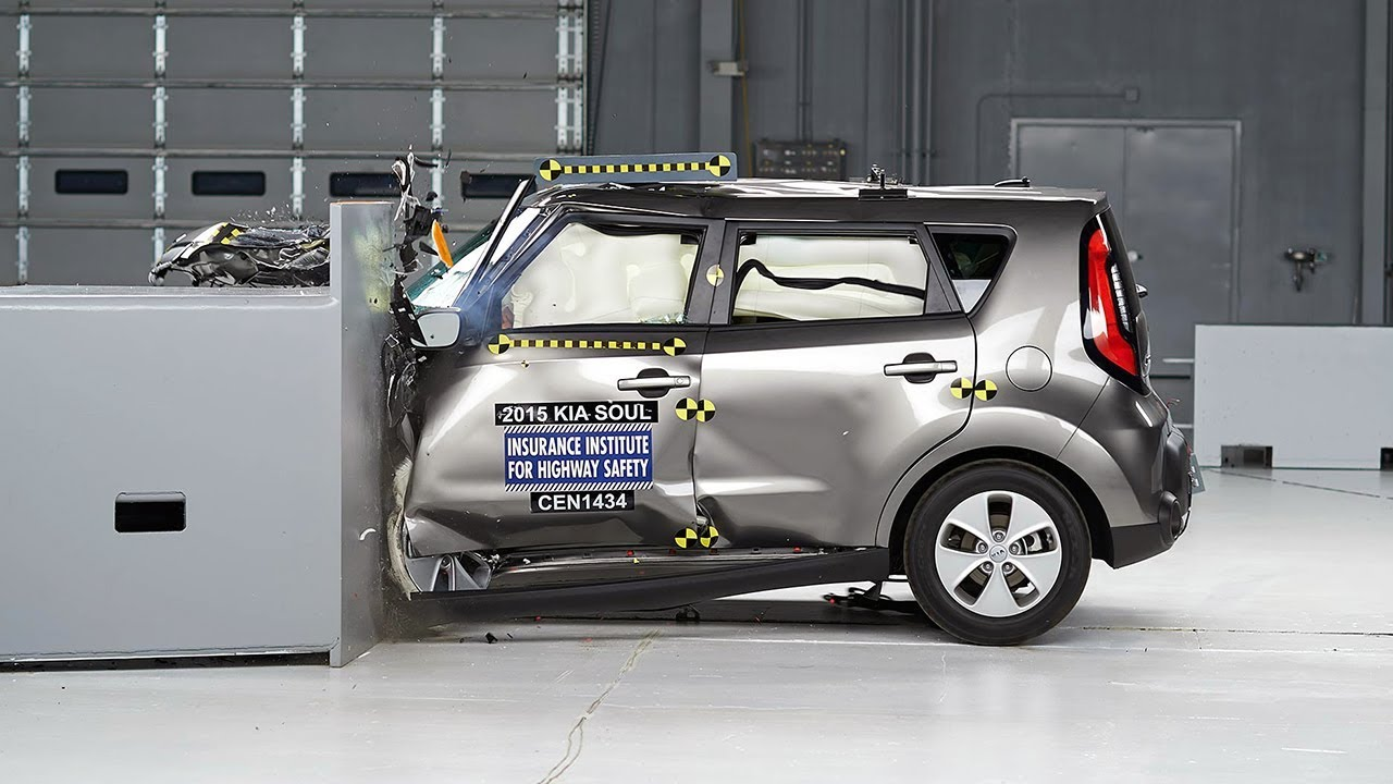 2015 kia soul driver side small overlap iihs crash test youtube. Black Bedroom Furniture Sets. Home Design Ideas