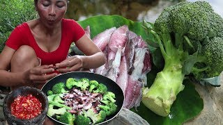 Grilled Squid with Broccoli for Eating delicious - Cooking videos & eating show Ep 15