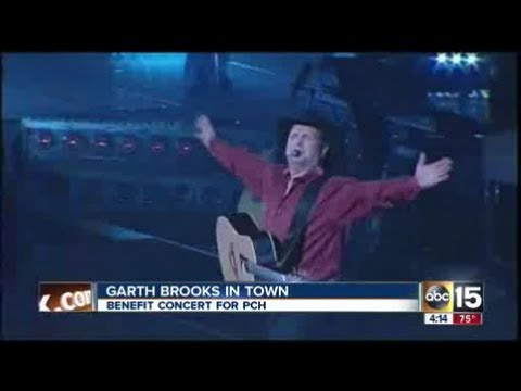 Garth Brooks at Phoenix Children's Hospital event