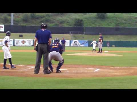Rays Prospect Jeremy Hellickson pitching against Smokies (2)