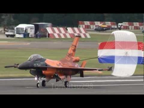 【HD】 F-16 Orange Solo Display Team Royal Netherlands Air Force RIAT 2011