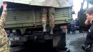 Часть 14   В городе Ровеньки, Луганской обл  было задержано 3 Камаза с военными и оружием  13 04 201(13.04.2014 При въезде в город Ровеньки, Луганской области была задержана колона из 3-х военный камазов, Местными..., 2014-04-13T20:14:56.000Z)