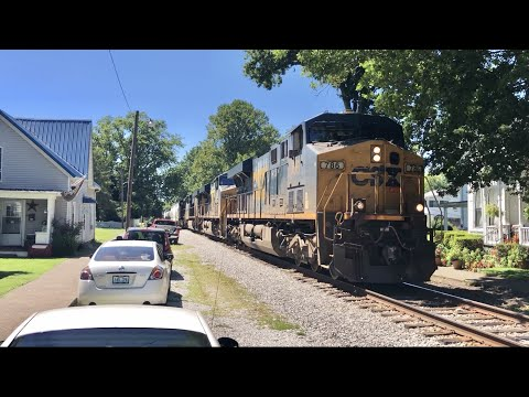 Train Passes Through Crowded Neighborhood! Houses Face Tracks Like Main Street, USA, Kentucky Trains