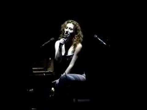 Tori Amos - Me and a gun Live