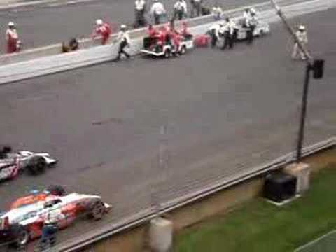 2007 Indy 500 field pulls away