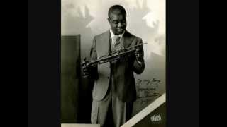 Louis Armstrong - Wild man blues (1927)