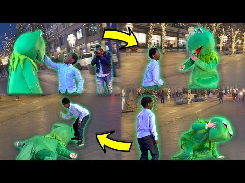 Kermit the Frog Vs Little Kid! (Caught on Camera in Downtown Denver)