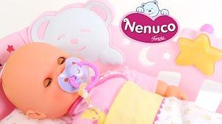 Muñeca Bebé Duerme Conmigo de la Marca Nenuco Incluye su Propia Cuna + Accesorios