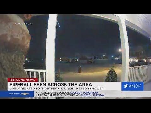 Meteor lights up St. Louis night sky