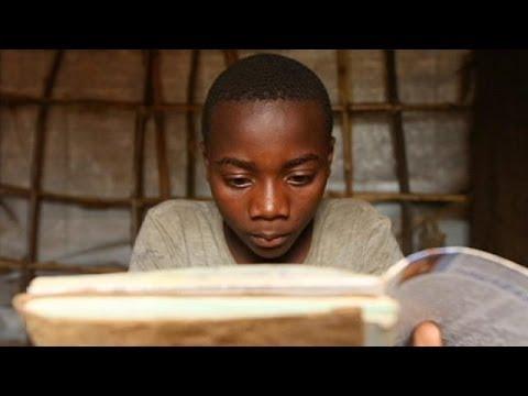 Los niños huyen de la guerra en el Congo