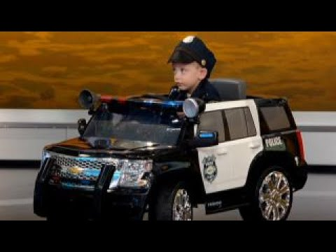 Pint-sized police officer patrols streets of Pennsylvania