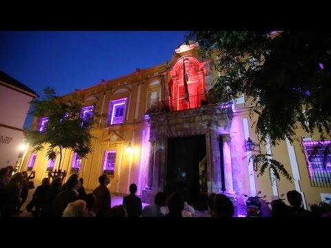 La facultad de Filosofía y Letras cuenta su historia a través de la luz, el sonido y el color