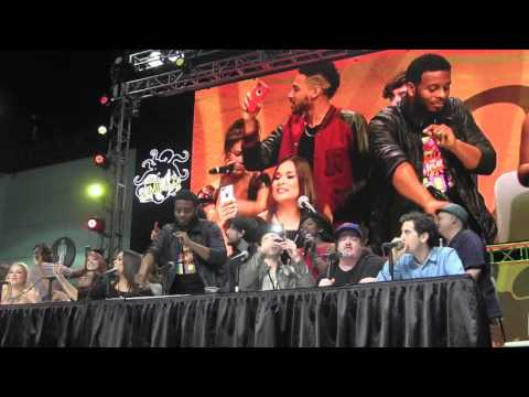 All That Cast Reunion Cast SINGS THEME SONG at Comikaze 2015!!!