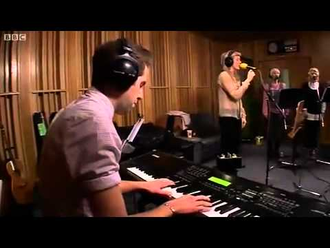 Ellie Goulding - Your Song (Radio 1 Live Lounge)