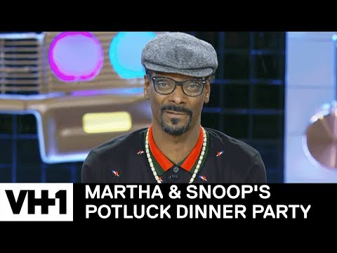 Snoop Dogg Smoked In the White House & More Ballsy Stories | Martha & Snoop's Potluck Dinner Party Mp3