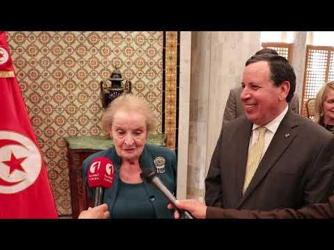 وزير الخارجية يتحادث مع وزيرة الشؤون الخارجية الأمريكية السابقة مادلين أولبرايت
