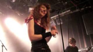 Melissa Auf Der Maur 'Speech' and  Overpower Thee @ Melkweg Amsterdam april 2010