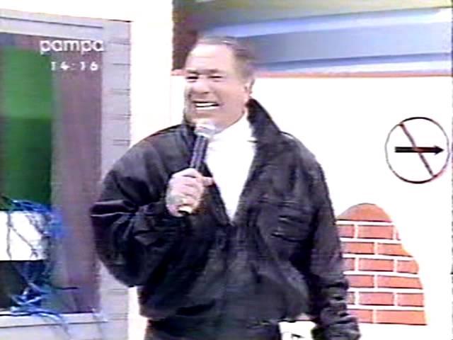 Raul Gil - Material do apresentador Raul Gil, imagem razoavel, colorido - 10 DVDs