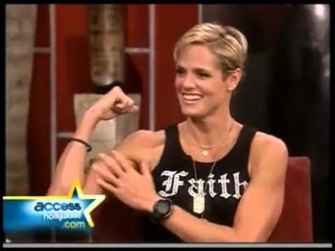 Dara Torres Flexing biceps