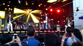 Mayer Hawthorne - The Stars Are Ours - Live on Jimmy Kimmel Show