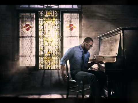 Beyonce ft. R. Kelly » If I Were A Boy (Remix)