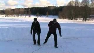 Как научиться кататься на коньках(Первый урок из БЕСПЛАТНОГО видеокурса для начинающих. Полностью видеокурс можно посмотреть на http://howskate.ru/, 2011-02-17T20:54:25.000Z)