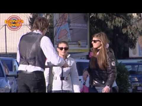 Candid Camera - Scherzi divertenti per strada: il cameriere pazzo