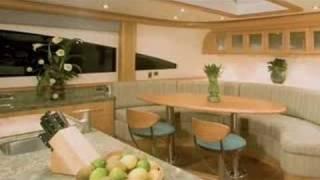 Lazzara Yachts 116
