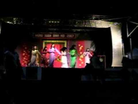 Vietnamese Dance at Tet 2007 - Don Xuan