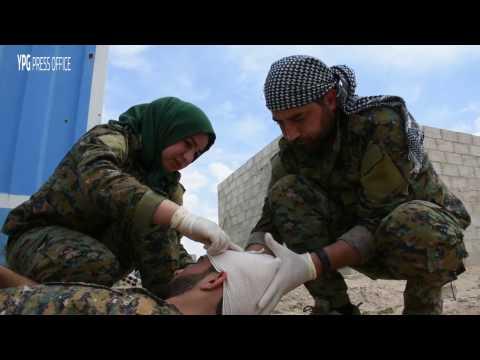 Yekîneya bijîşkî ya YPG di Xezeba Firatê de