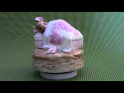 Vintage 1985 Beatrix Potter Mrs. Tittlemouse Music Box by Schmid