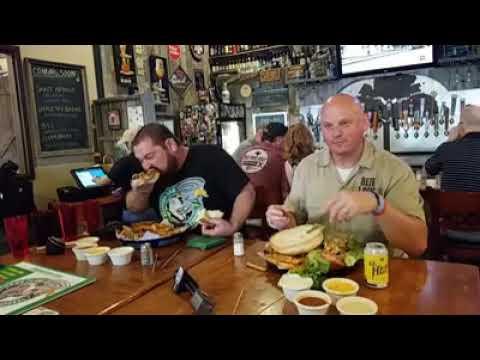 What's On Tap Radio - Human Garbage Disposal Eats 8.5 Pound Hamburger in Record Time.
