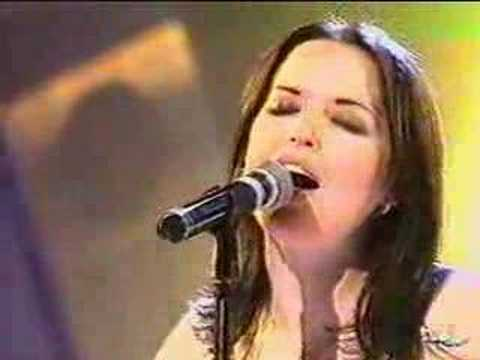 The Corrs -The Right Time (live at the premios Amigo) Spain, The Corrs' first international award