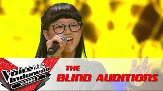 kim habits stay high   the blind auditions   the voice kids indonesia season 2 gtv 2017