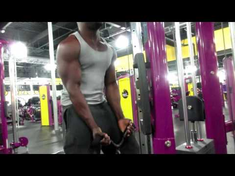 2017 PLANET FITNESS BICEP WORKOUT