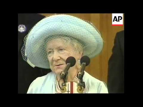 UK: LONDON: QUEEN MUM BREAKS COLLAR BONE