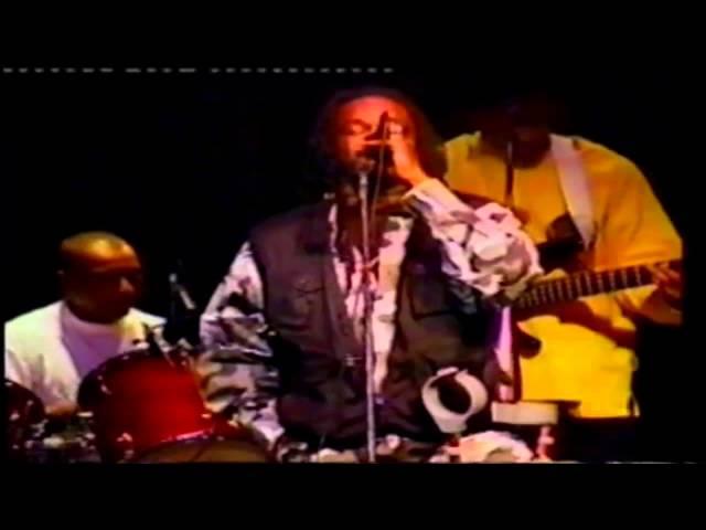 Papa Touwtjie live Suriname muziek