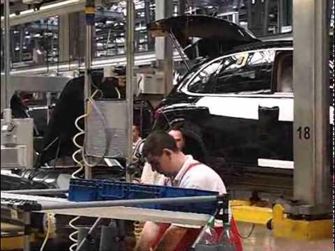 Hochbetrieb im Porschewerk Leipzig
