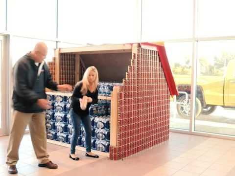 Exceptionnel Bob Moore Buick GMC Canned Food Sculpture Timelapse: Dog House
