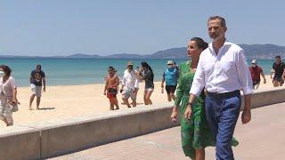 Los Reyes recorren Playa de Palma en su visita a la capital balear