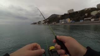 Рыбалка в ноябре на Черном море с берега в Алуште(После неудачной рыбалки на Симферопольском водохранилище было решено поехать на море в надежде поймать..., 2016-11-05T13:06:15.000Z)