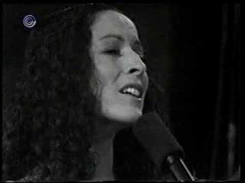 Yehudit Ravitz - Layla