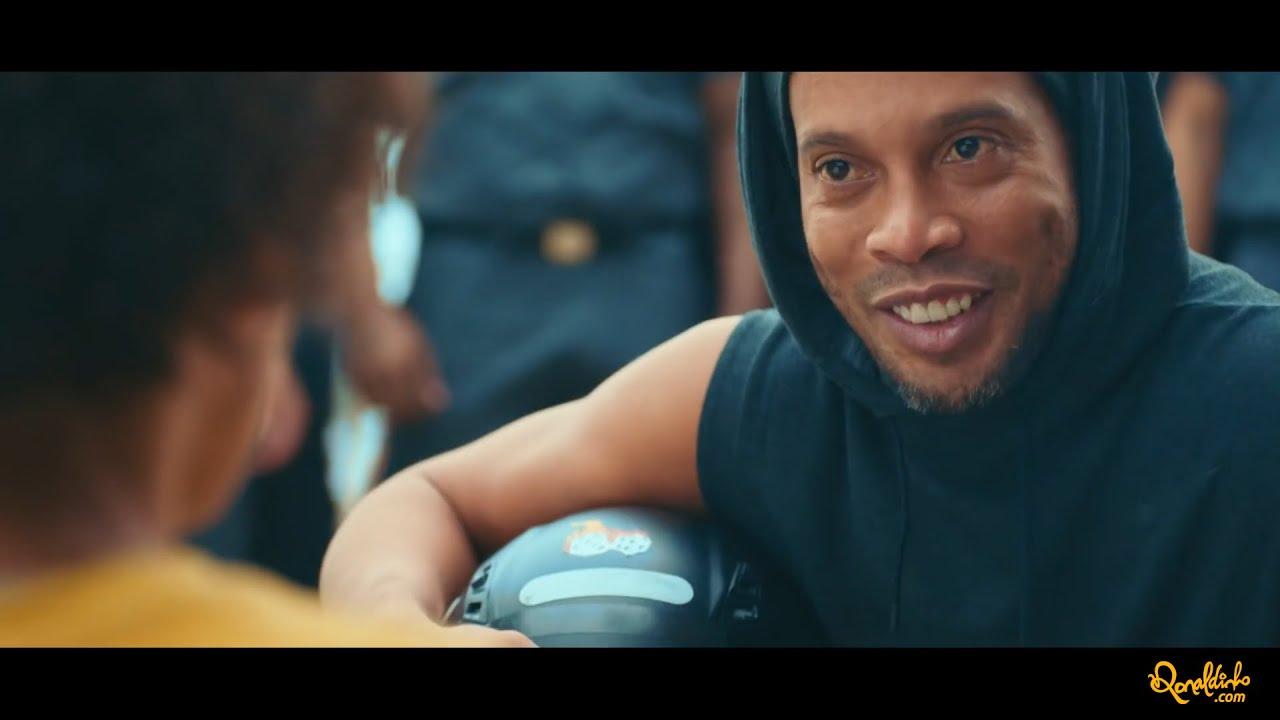 Ronaldinho - XXL Sport Unites All - YouTube