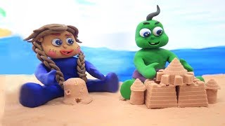 CLAY SUPERHERO BABIES PRETEND SAND PLAYING - Stop Motion Animation Cartoons