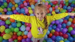 Прыгаем в воздушные шары jump in balloons