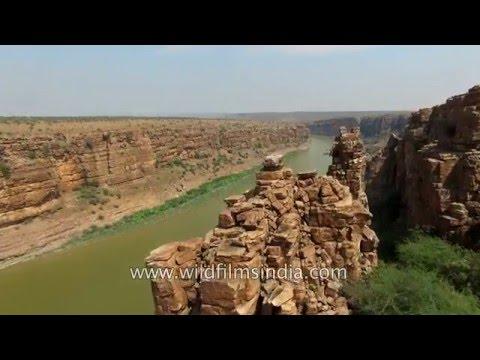 India's Grand Canyon - Gandikota gorge along river Pennar in Andhra